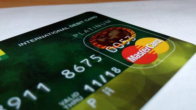 platební karta zelená