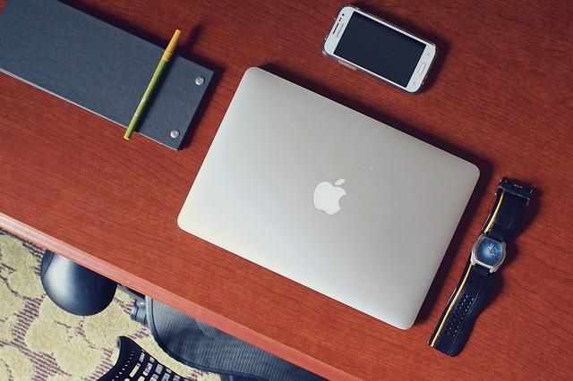 tablet, mobil, hodinky