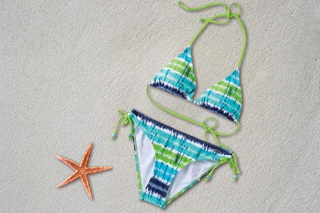 dvoudílné plavky