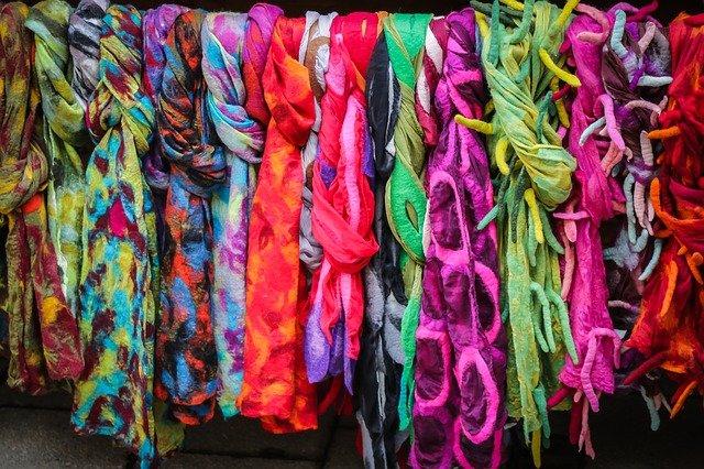 batikované šátky